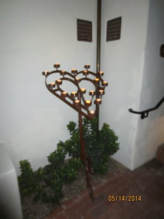 Belmond El Encanto : Heart shaped art work with candles outside the room on our anniversary