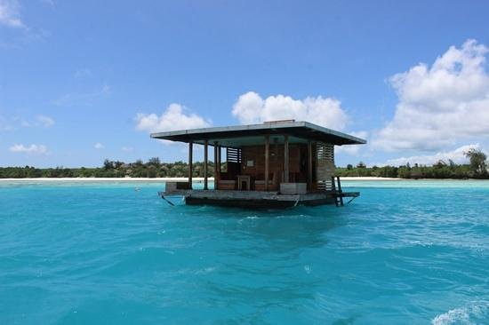 Manta Resort Tanzania Lhotel Sottomarino : Boat ride out picture of the manta resort pemba island