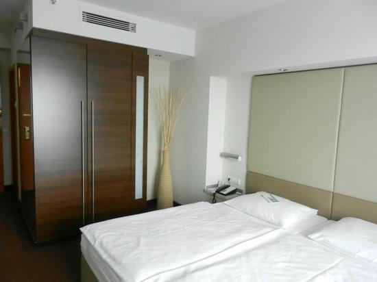 Estrel Berlin: room 1/05/07 (floor 5, room 7)