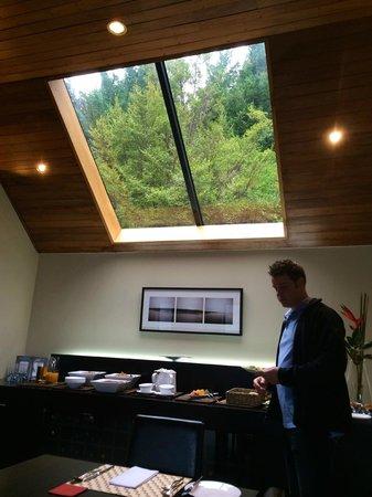 Azur: skylight in breakfast area