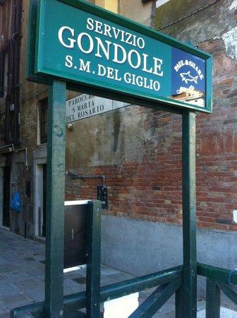 SINA Centurion Palace: 2Euro Gondola