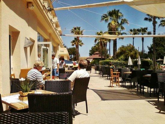 Hotel Mar Blau : Restaurant - Außenterrasse