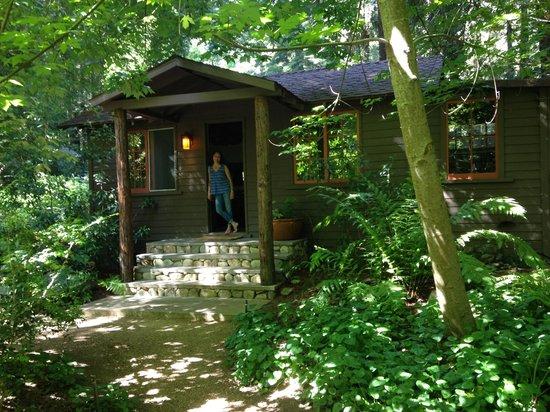 Glen Oaks Big Sur : Front Entrance to Big Sur Cabin