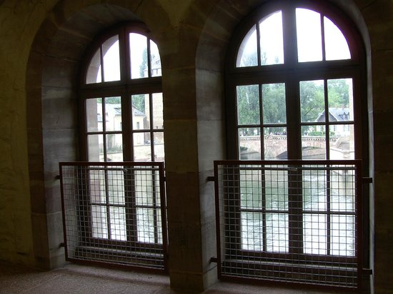 Barrage Vauban : Looking out at the covered bridges from the interior windows