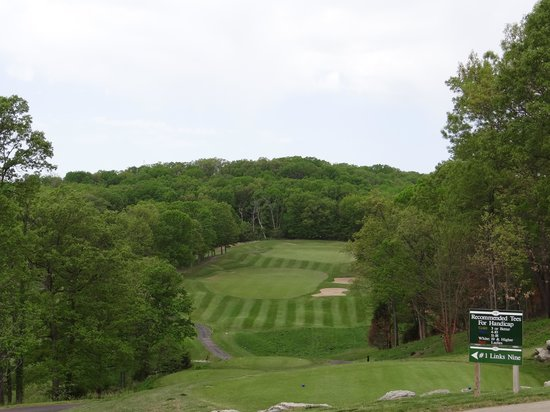 Osage National Golf Club: Links Course 1st hole