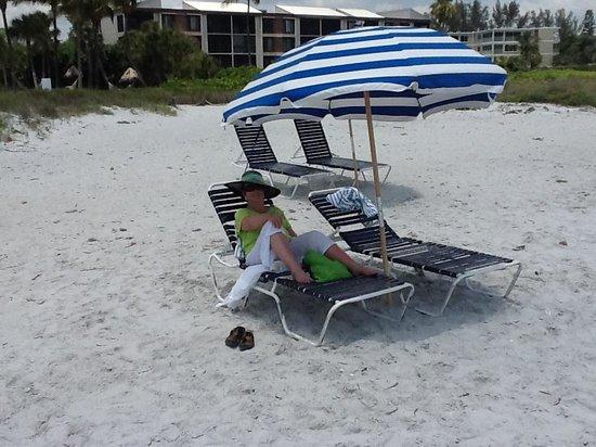 Sanibel Island Beach Resort : On beach in front of hotel