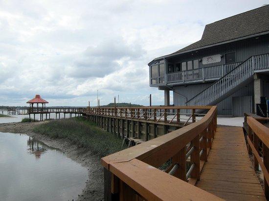 Hilton Head Harbor RV Resort and Marina: Pier, Gazebo and Restaurant