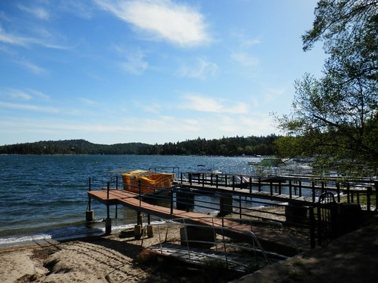 Lake Arrowhead Resort and Spa, Autograph Collection: This is a view from the private lake walk near the hotel