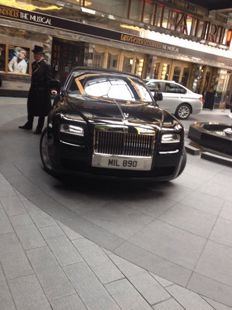 Transportation from The Savoy to the Ritz for afternoon tea!!!