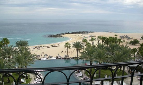 Hilton Los Cabos Beach & Golf Resort : simple, clean beach area