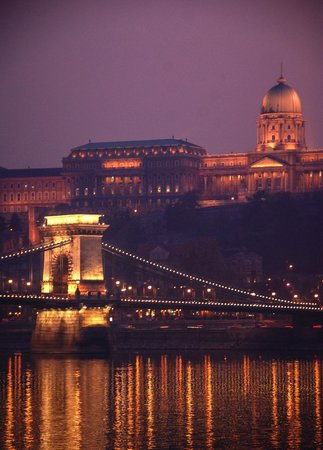 Next City Tours Budapest : Budapest at Night-time.