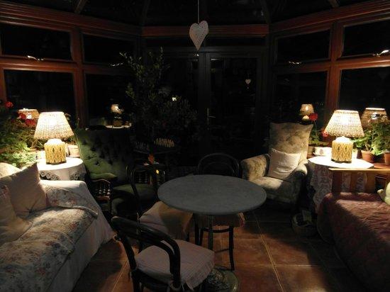 Dalqueich Farmhouse: at the porch
