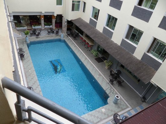 City Hill Hotel : Nice and clean pool