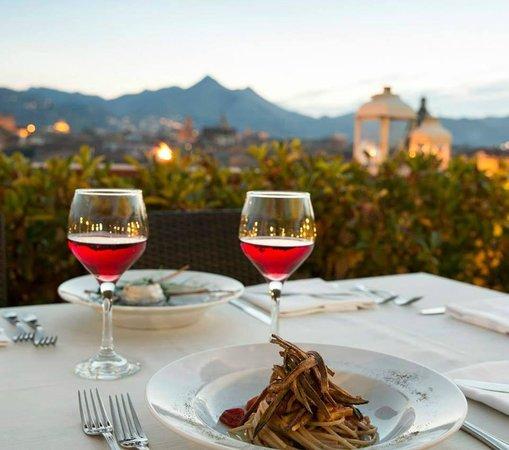 Ambasciatori Hotel: Aperitivo in Terrazza nel Louge Bar Seven