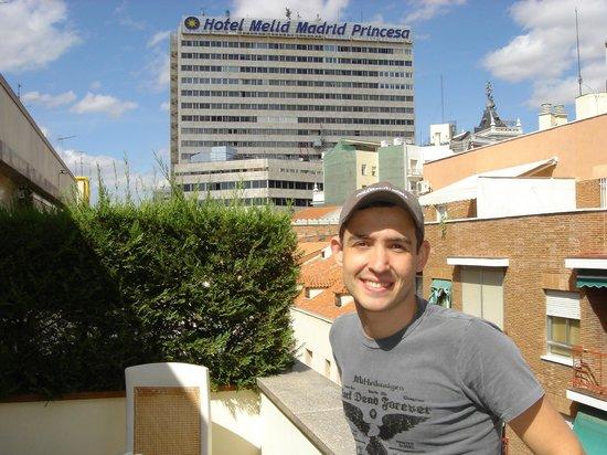 Mercure Madrid Plaza de Espana : Varanda do hotel