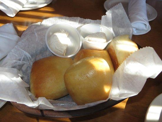 Texas Roadhouse : Delicious rolls