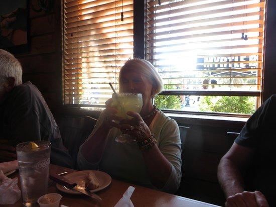 Texas Roadhouse : Huge Margarita