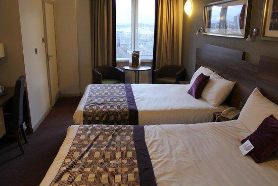 Jurys Inn Glasgow: Room 1006