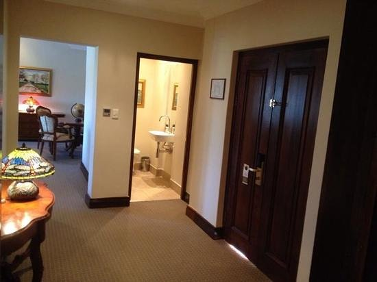 Asara Wine Estate Hotel Entrance Door Small Bathroom Living Room