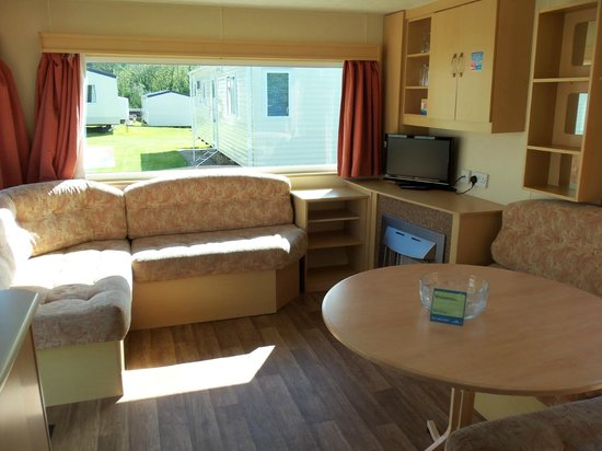 Landguard Holiday Park - Park Resorts: Bronze lounge