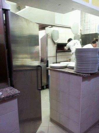 Ristorante pizzeria barbanera in treviso con cucina pizza for B cucina e pizza