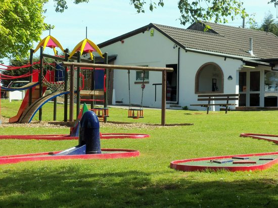 Landguard Holiday Park - Park Resorts: Reception and play area