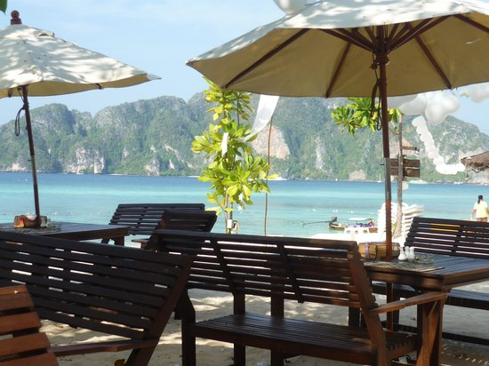 Phi Phi The Beach Resort : terrasse restaurant