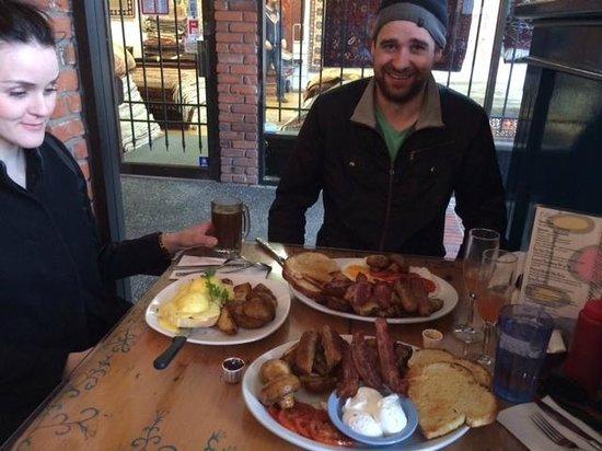 Blue Fox Cafe: Cousin's who brunch