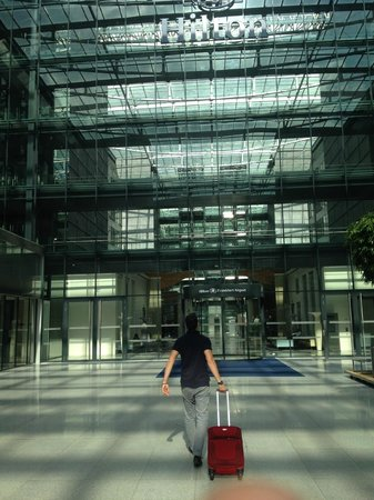 Hilton Frankfurt Airport Hotel: Vue de l'extérieur