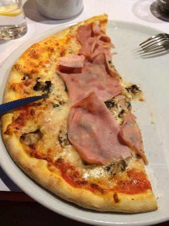 Ristorante Italiano: Pizza caprichosa!