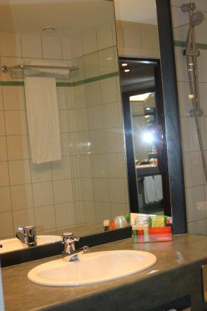NH Gent Belfort : Bathroom