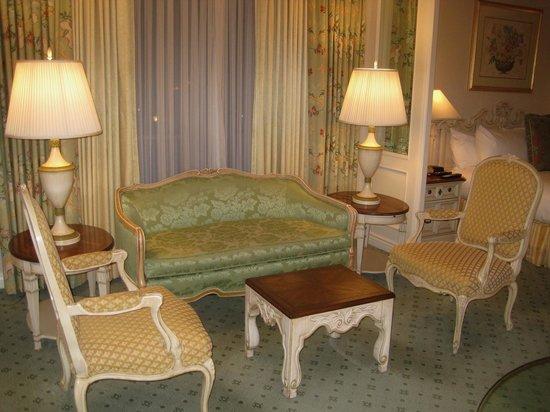 Little America Hotel Flagstaff : Plenty of seating