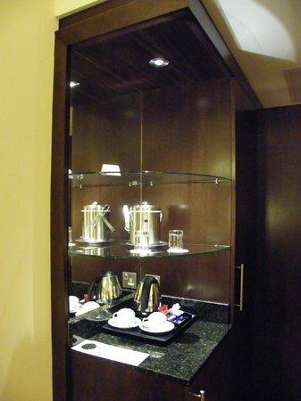 Pillo Hotel Ashbourne: tea/coffee facility