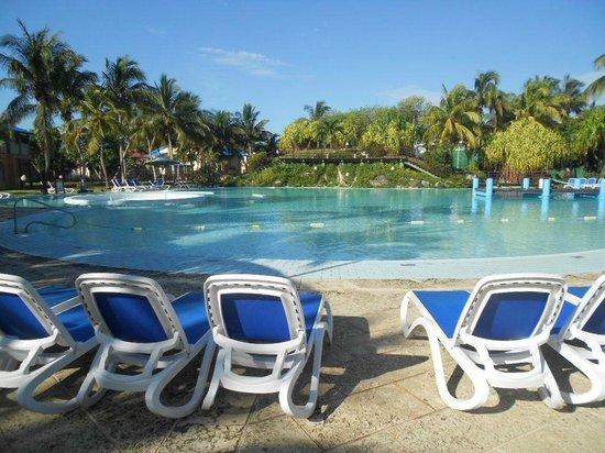 Be Live Experience Turquesa: Otra vista de la piscina