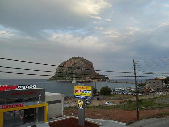 Mpalkoni sti Monemvasia: The view from our balcony room to the island of Monemvassia
