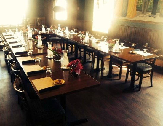Historic Calumet Inn: Historic lounge all set up for a business meeting