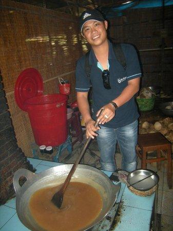 Buffalo Tours: Notre guide Minh lors d'une visite au Delta du Mekong