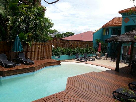 Le Cher Du Monde: Pool Area
