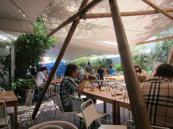 Mandolin Aegean Bistro: The outdoor seating area
