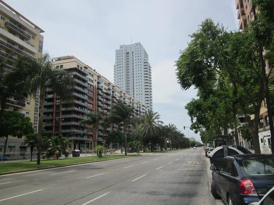 Valencia Center Hotel : Straat waaraan het hotel ligt
