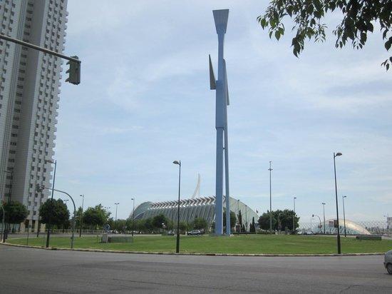 Valencia Center Hotel : Moderne architectuur nabij het hotel