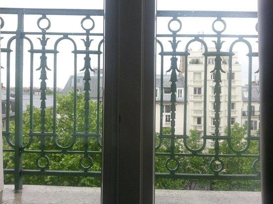 Ibis Paris Sacré Coeur 18eme: Boa vista do quarto