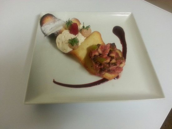 Restaurant La Braise sur l'ile du Saussay: Tartare de figues mousse baileys