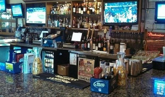 Fishtales Bar and Grill: FishTales Classic Full Bar!