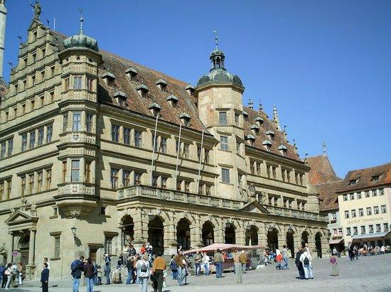 Glocke Hotel: town hall