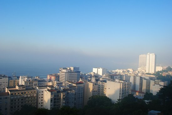 Abraco Carioca- Favela hostel: View from the terrase in the morning 2
