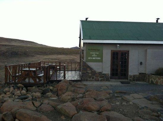 Sani Mountain Lodge : Highest Pub in Africa