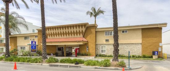 Americas Best Value Inn & Suites: Exterior 1