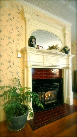 Blackberry Inn : one of the ornate fireplaces at the inn