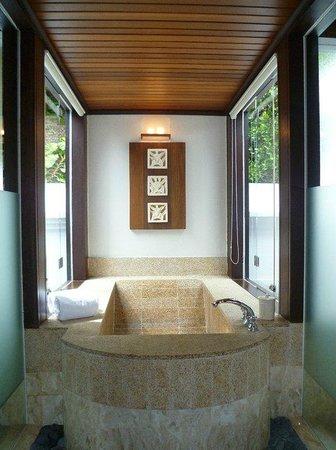 Pangkor Laut Resort: 内風呂